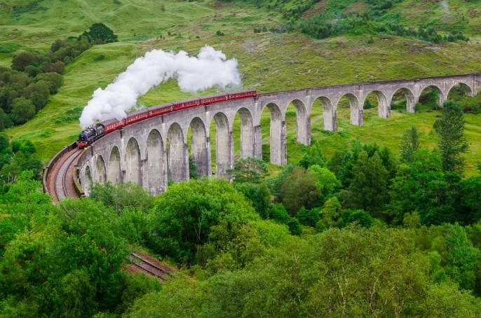 schottland glenfinnan viadukt _177187280