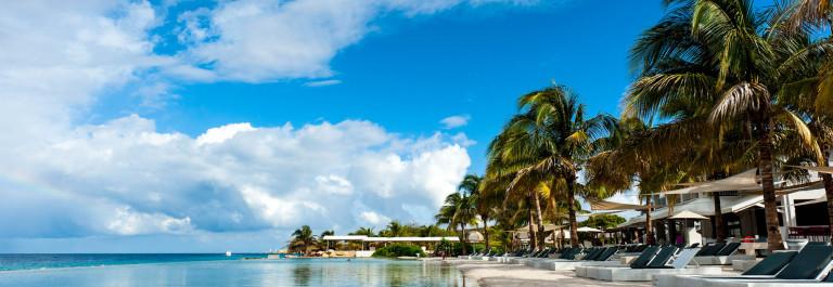 Curacao Beach Club iStock_000024833148_Large-2