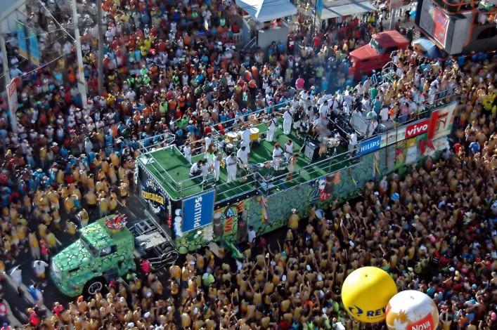 Karneval Salvador Vinicius Tupinamba  Shutterstock.com_mini