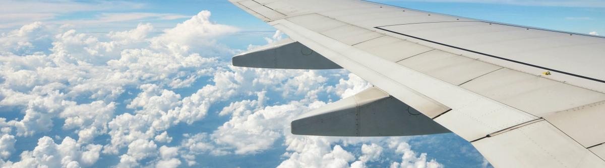 Fliegen - Blick aus dem Fenster