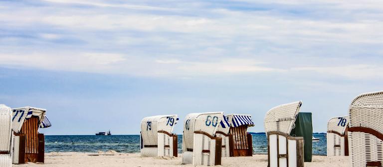 Ostsee Beachchair iStock_000009706718_Large-2