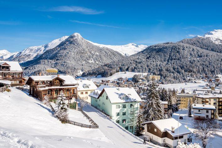 Davos Österreich shutterstock_549049873