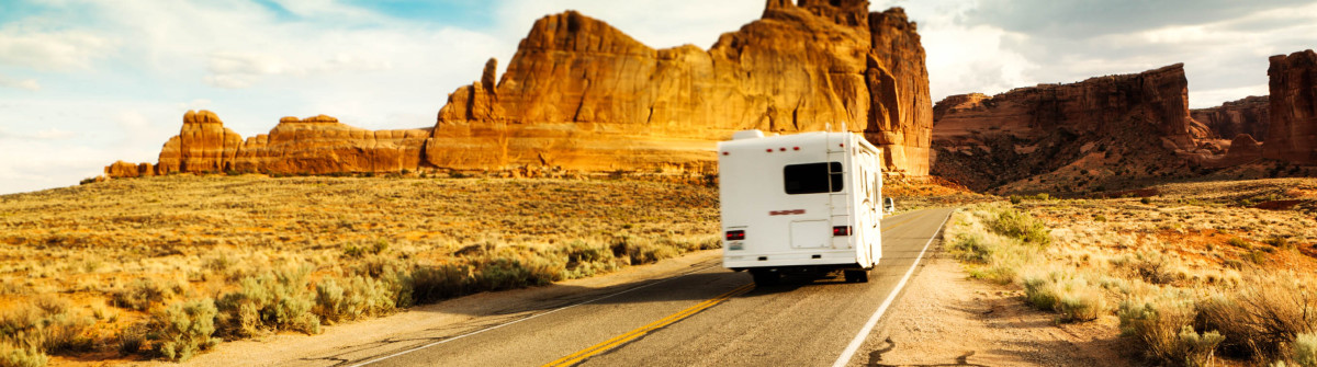 Camper Driving and Touring in the American Southwest iStock_000024573978_Large-2