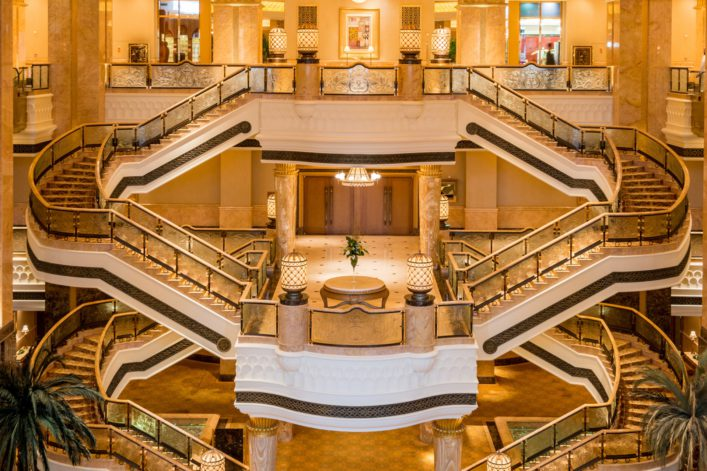 Emirates Palace Abu Dhabi EDITORIAL ONLY Sanchai Kumar shutterstock_140130484 1920 1280