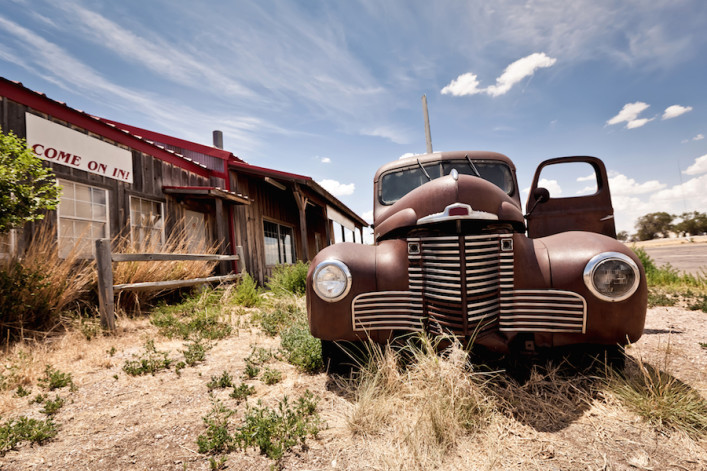 route_66_USA_old_Car_streetshutterstock_95662849