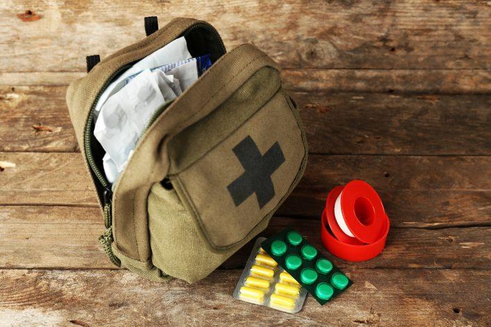Koffer packen Medikamente Reiseapotheke