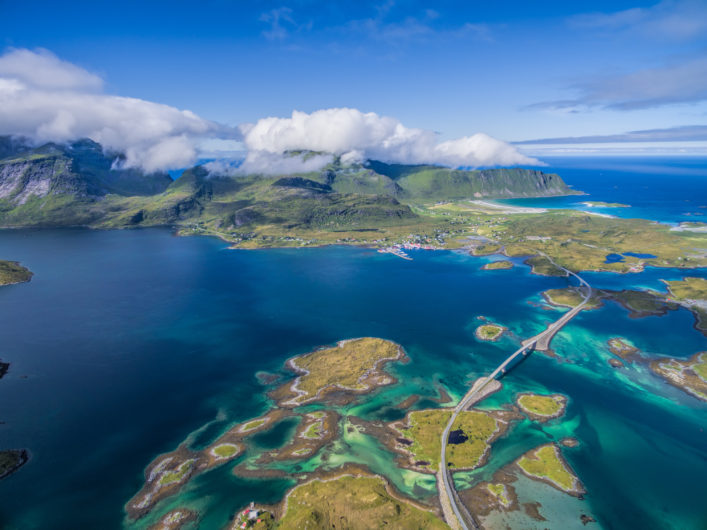 Lofoten Islands Norwegen shutterstock_320328854
