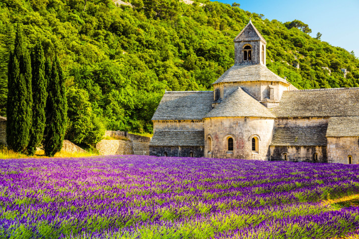Provence, Frankreich iStock_000020900320_Large-2
