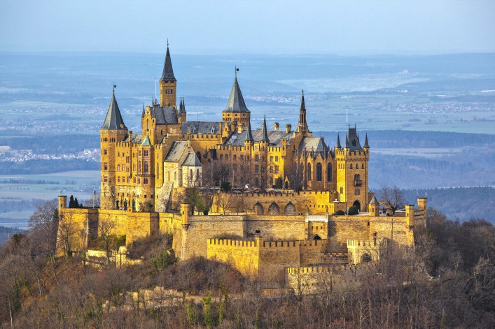 A photography of the german castle Hohenzollern shutterstock_41027284-2