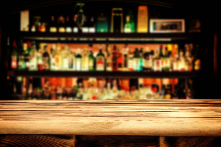 bar and desk shutterstock_202914193-2