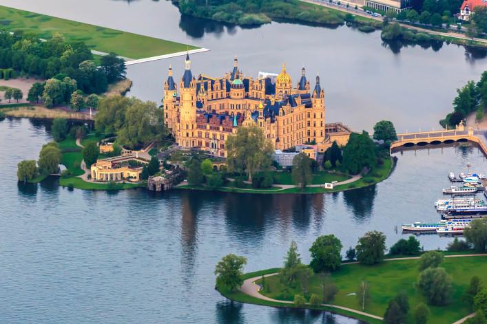 castle of schwerin in Mecklenburg-Western Pomerania shutterstock_139604156-2