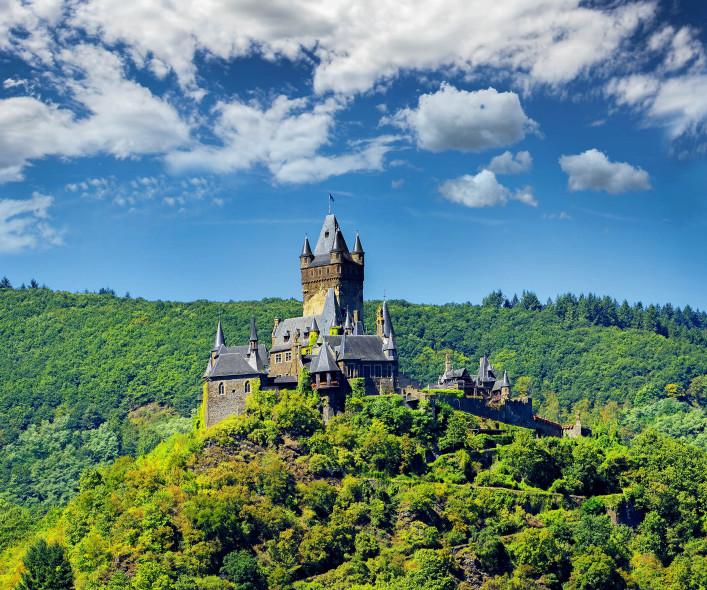 Cochem Imperial castle, Reichsburg Cochem shutterstock_484249501-2