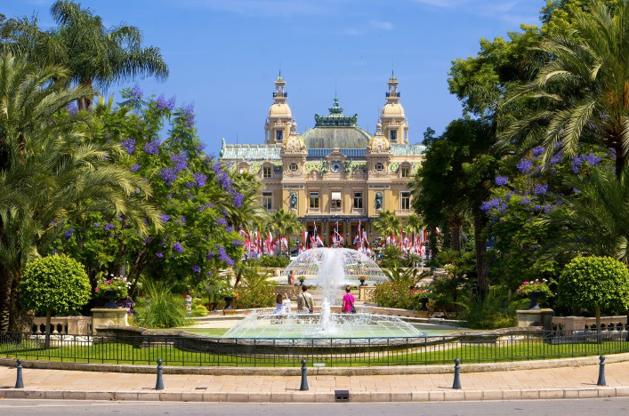 Monaco Casino_Monte Carlo_fountains_shutterstock_96192425
