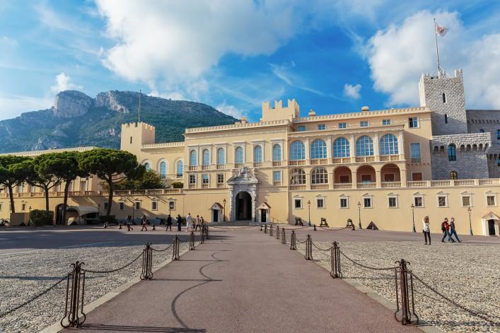 Monaco_Princes Palace_Cote d'Azur_shutterstock_232600330
