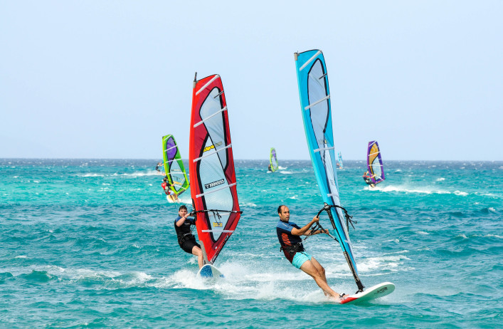 Windsurfing on the atlantic coast of Canary Island Fuerteventura shutterstock_217755562 EDITORIAL ONLY Philip Lange-2