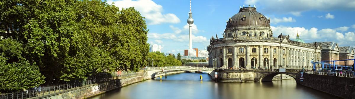 Berlin Museuminsel iStock_000049394114_Large