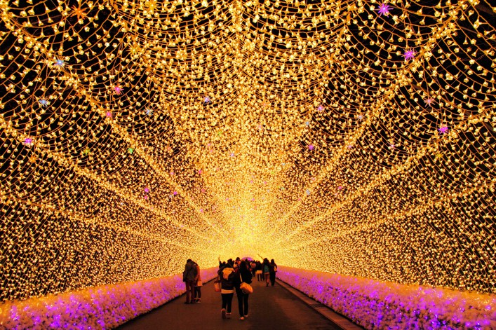 Lichtertunnel Japan