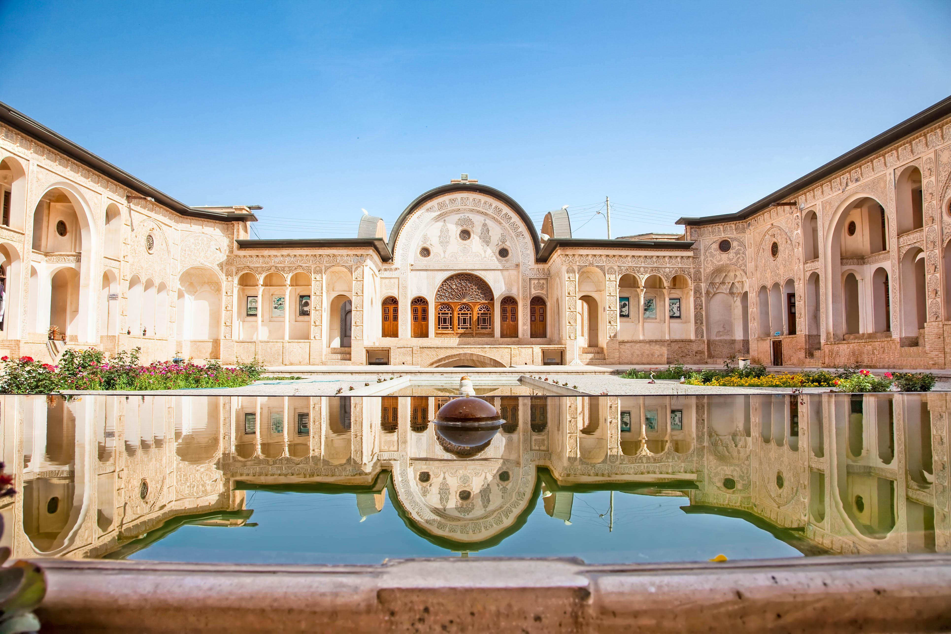 House With Pools Iran Faszinierende Landschaften Urlaubsguru De