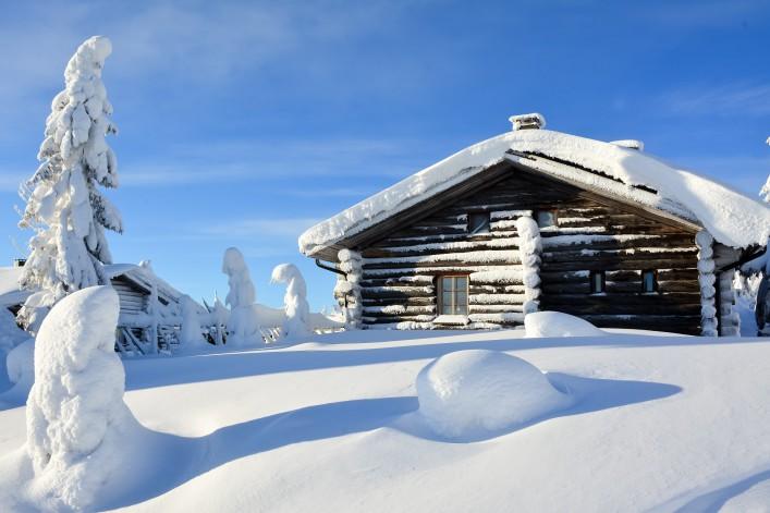 Lappland Finnland Winter Hütte shutterstock_433900780
