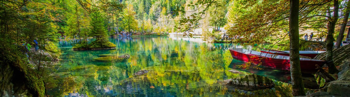 Blausee in der Schweiz Herbst