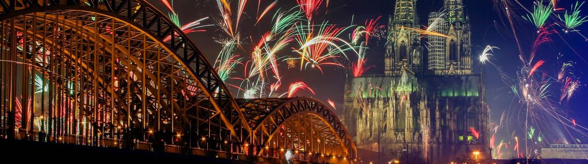Silvester in Köln Feuerwerk