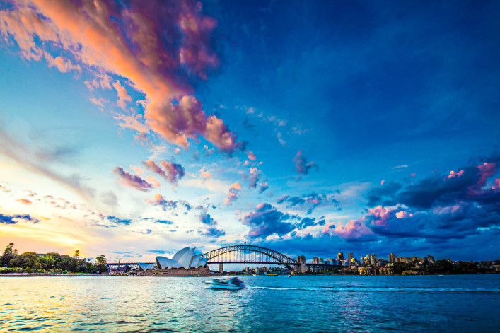 Beautiful sunset in Sydney iStock_000079030465_Large-2