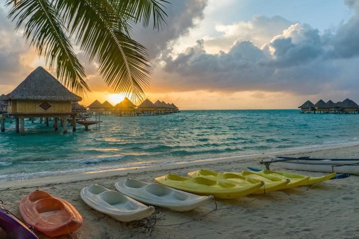 Bora Bora Tahiti shutterstock_355509716