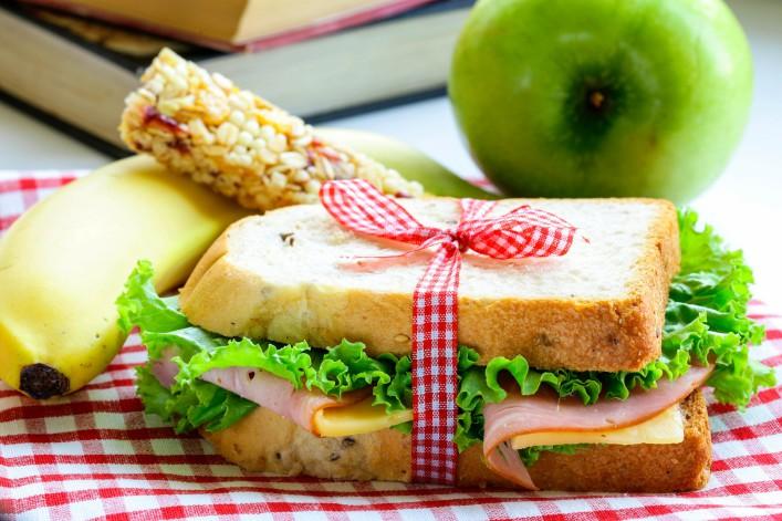 Tipps für einen Langstreckenflug Essen Obst