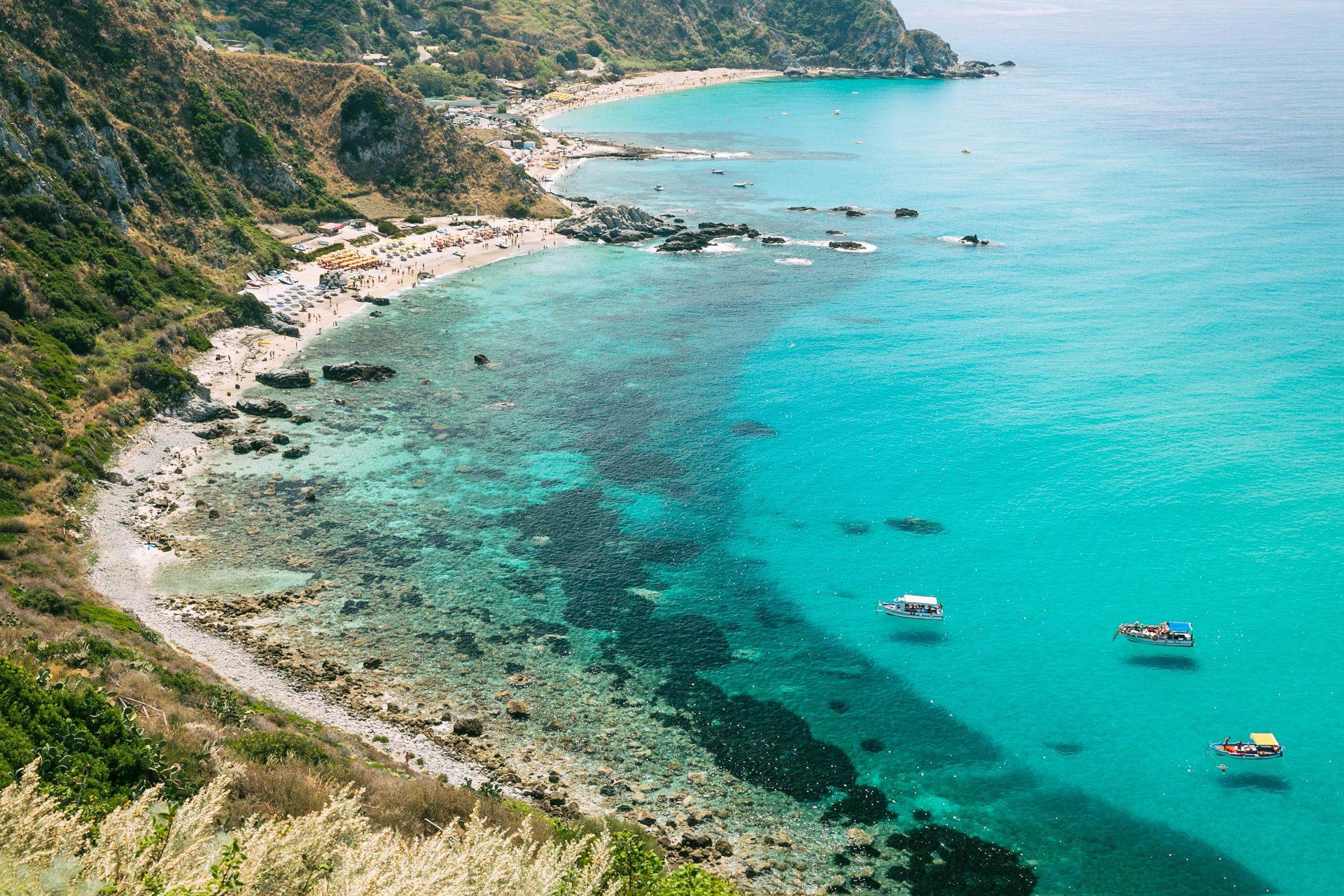 Die Küste von Kalabrien in Italien ist wunderschön