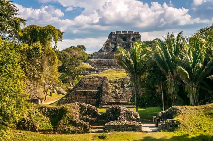 Xunantunich – Mayan Ruins_Belize_Karibik_shutterstock_164718575