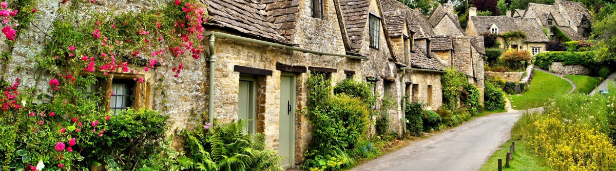 English town in the Cotswolds