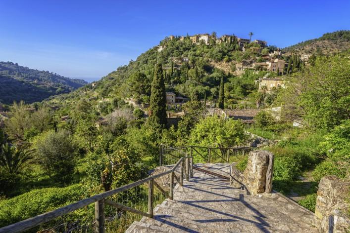 Deia Mallorca iStock_000023940852_Large_2