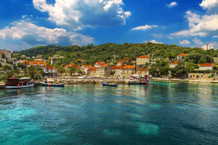 Croatia South Dalmatia_Elaphiten_Sipan – Elaphiti Island shutterstock_375521500