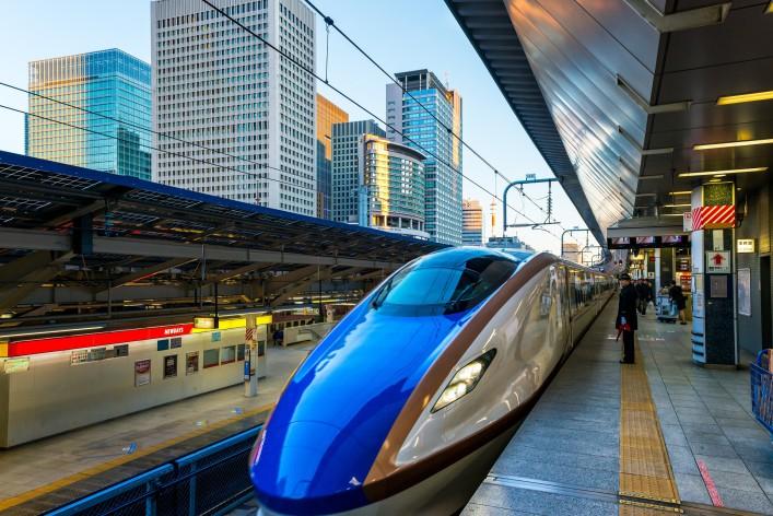 High Speed Train Japan shutterstock_269298080 REDAKTIONELL