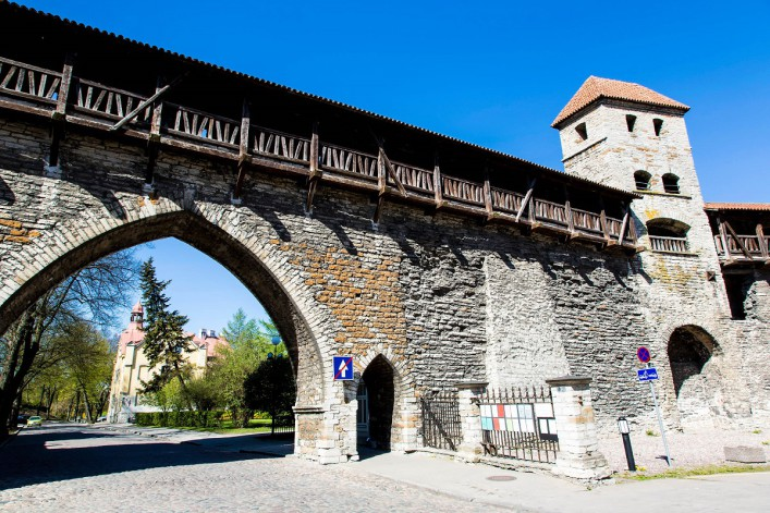 Historische Altstadt von Tallinn iStock_000047087248_Large-2_1200