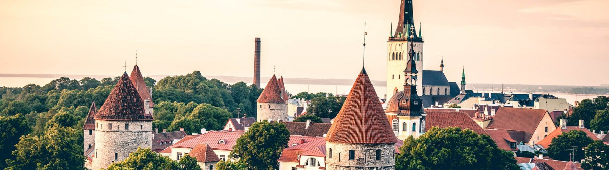 Luftaufnahme Altstadt Tallinn iStock_000049223188_Large-2