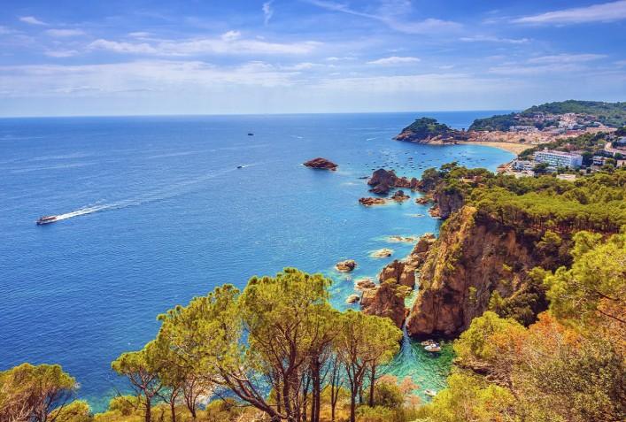 Tossa Del Mar Costa Brava iStock_000062432328_Large_1200