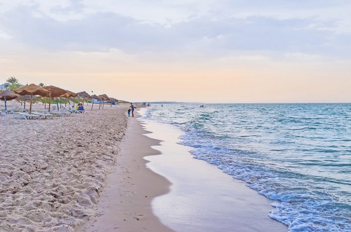 Ein Strand in Tunesien