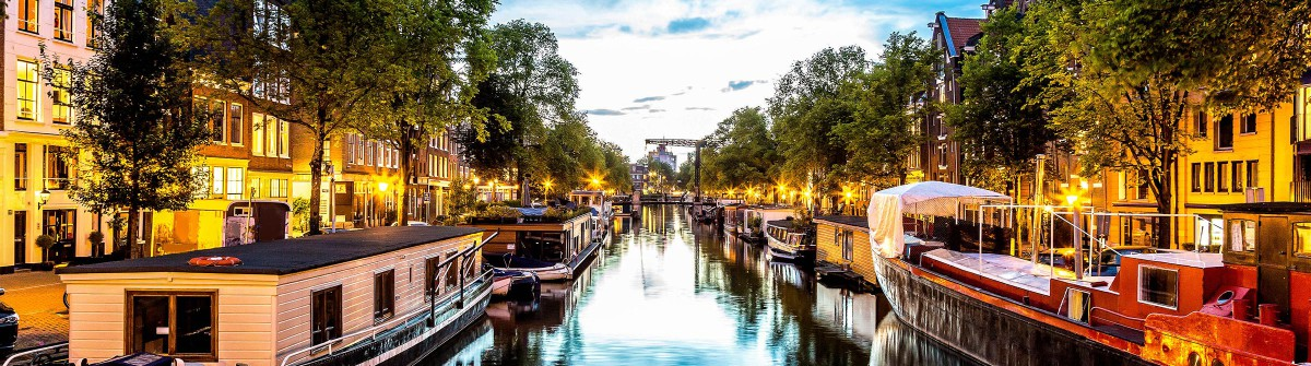 Amsterdam-shutterstock_262760858-2