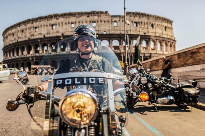 Dumme Touristen weltweit Rom Kolosseum