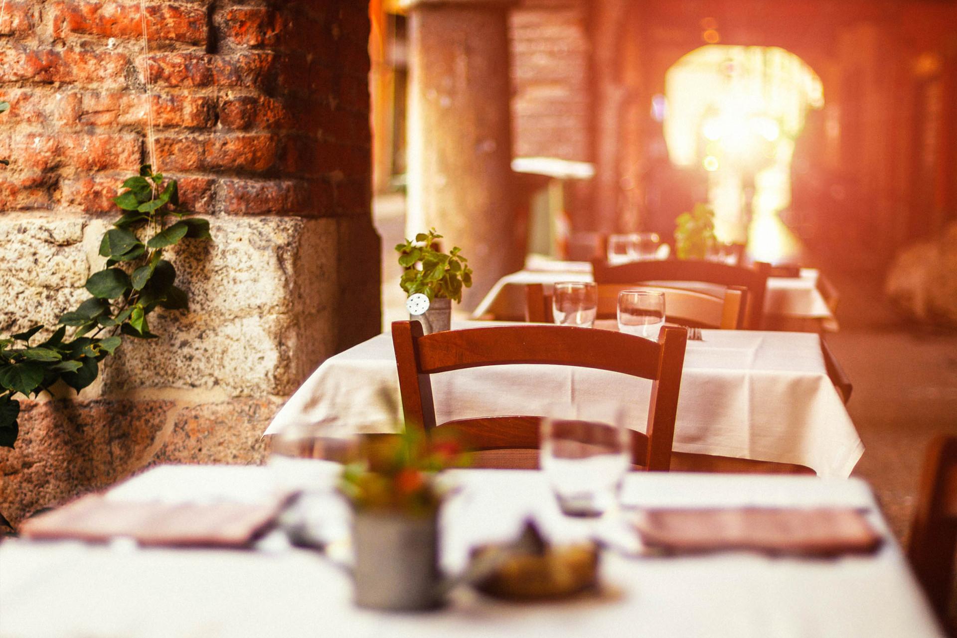 Italienisches Restaurant iStock_000022433098_Large-2