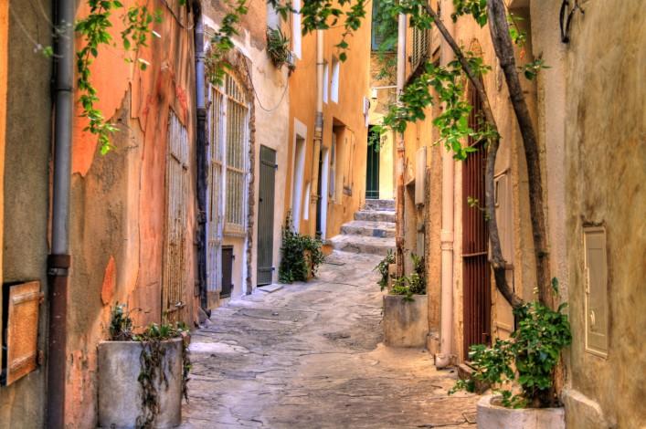 St. Tropez shutterstock_142937536