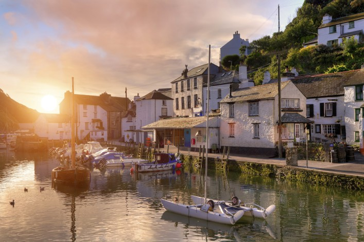 Cornish fishing village iStock_000029239246_Large_1920