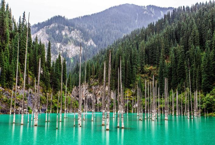 Kaindy Lake Kazakhstan iStock_000079814633_Large-2