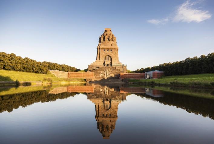 Kampf der Nationen Monument Leipzig iStock_000023525551_Large_1200
