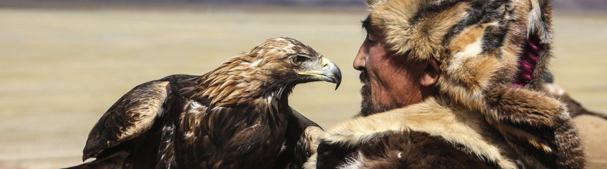 Mongolian eagle hunter iStock_000022562801_Large EDITORIAL ONLY Josef Friedhuber