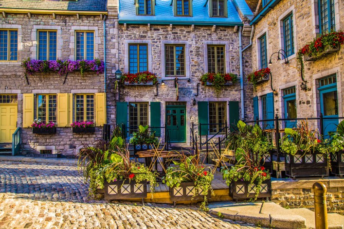 Old Quebec iStock_000072335961_Large-2