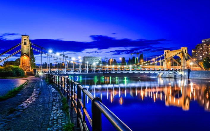Breslau bei Nacht - Blick auf die Grunwaldzki Brücke