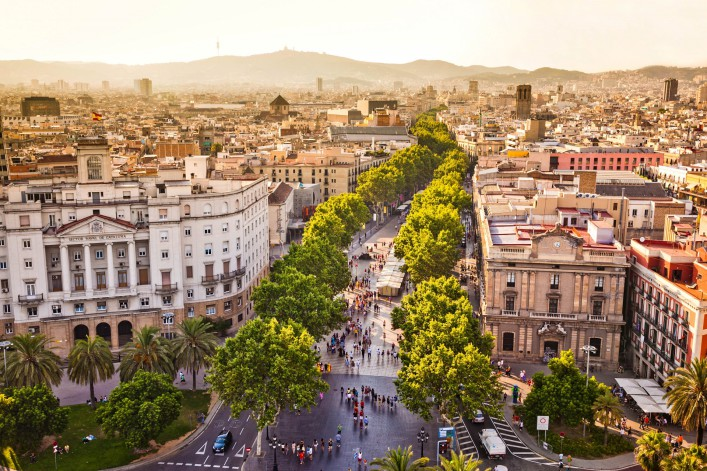 La Rambla Barcelona iStock_000052680902_Large-2