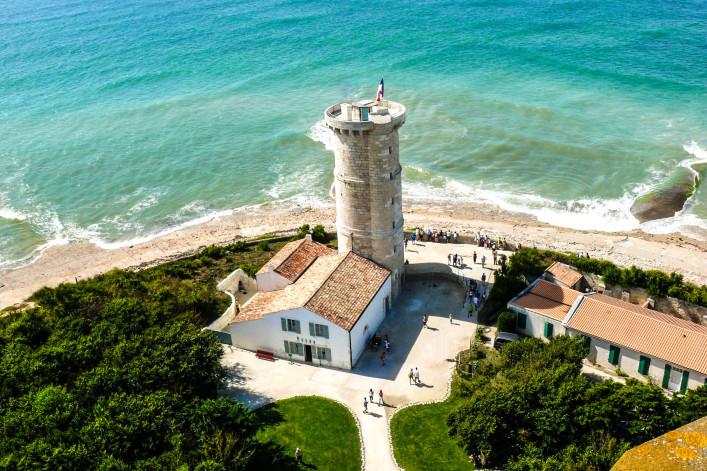 Leuchtturm auf Insel Île de Ré Frankreich France iStock_000010550700_Medium-2